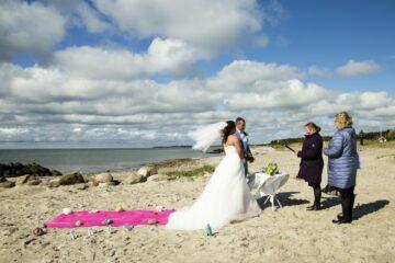 beach weddings on Aeroe island2